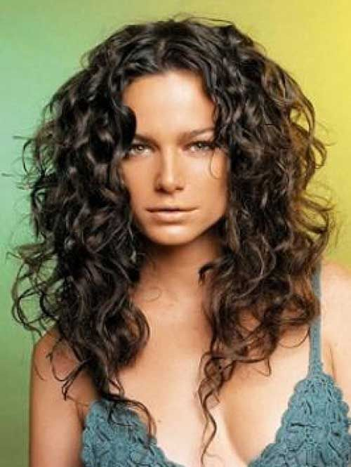 The best way of managing long curly   hairstyles
