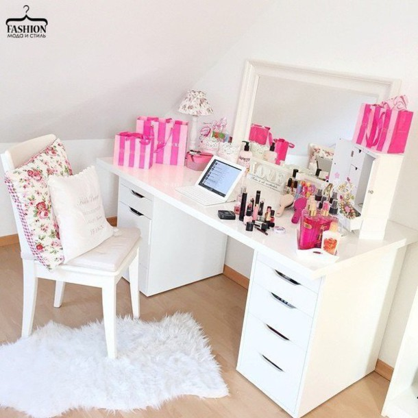 home accessory, make-up, table, makeup table, desk, mirror, girly