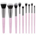 Exploring some necessary information   about makeup brush set