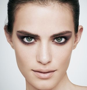 Bring back simple elegance with matte   makeup