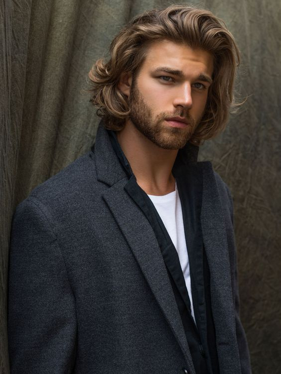 Men and long hairstyles: the way forward