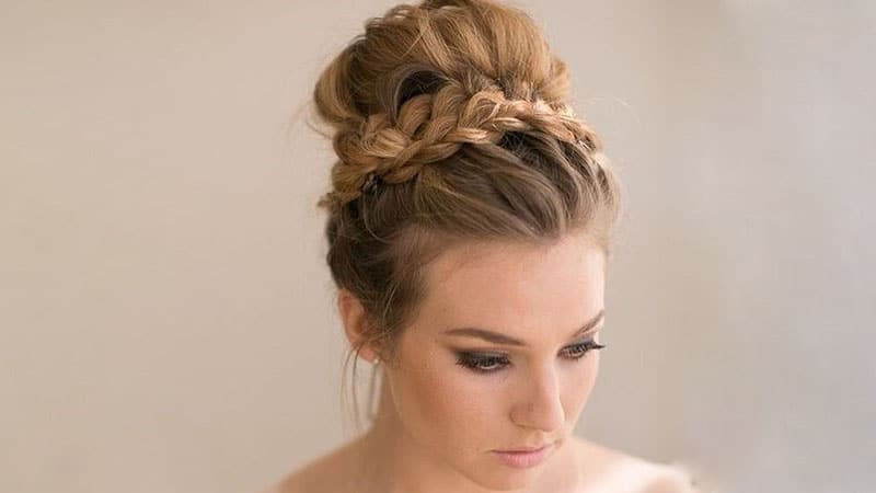 30 Stunning Prom Hairstyles for Long Hair - The Trend Spotter