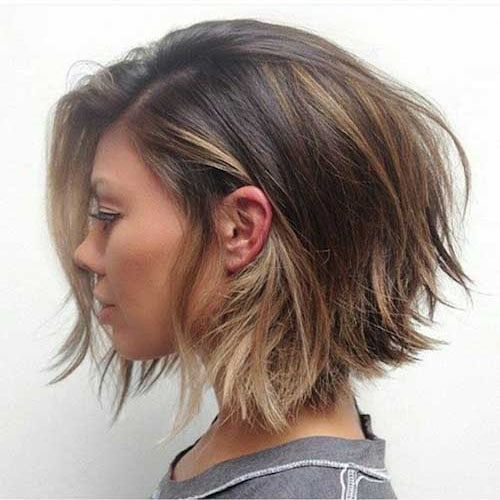 25 Chic Short Hairstyles for Thick Hair - The Trend Spotter