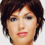 Get a clean and Cute look with short   messy hairstyles
