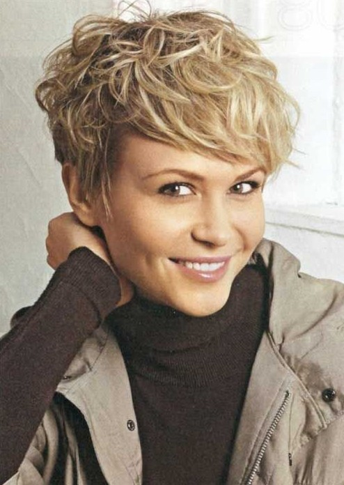 Short Messy Hairstyle for Women: Easy Haircuts - PoPular Haircuts