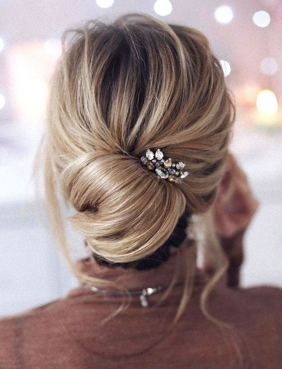 25 Chic Bridesmaids' Hairstyles For Medium Length Hair - Weddingomania
