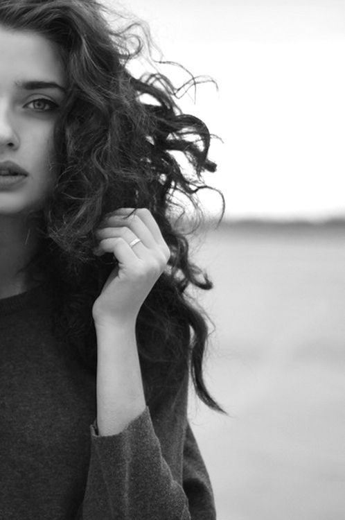 Windy hair - great edge crop | Photography | Pinterest | Curly