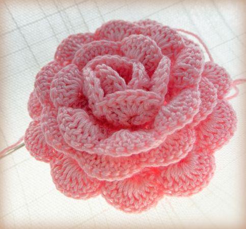 a pink crochet rose ~ free pattern (i-bks) ZGNREYM