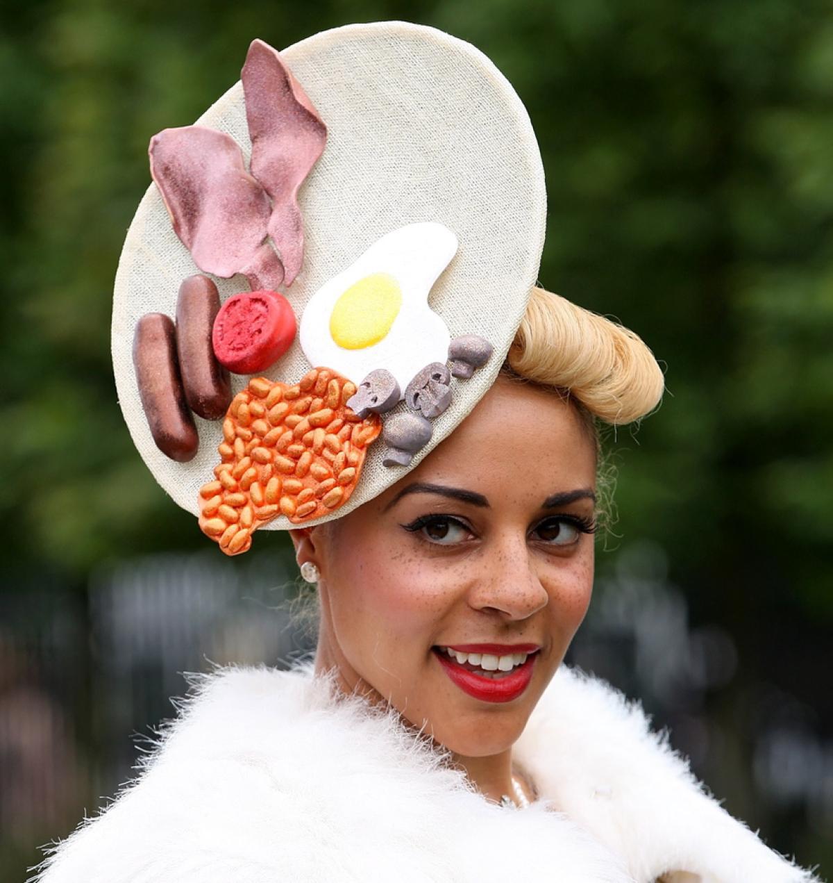 ascot hats royal ascot 2012 - photos - royal ascot 2012: outrageous hats - ny daily VZXIDSN