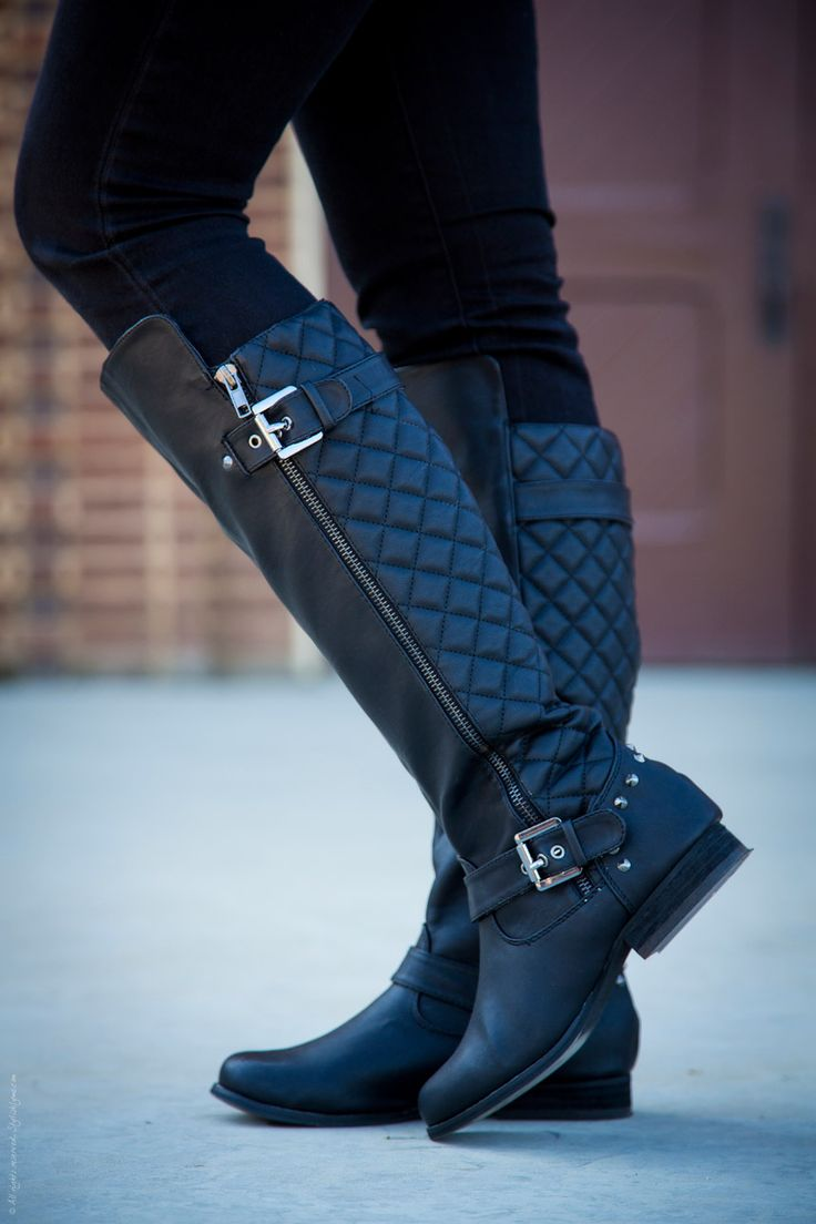 black riding boots a quilted riding boot is a great way to add a chic, sophisitacted tuch to GWBEKZA
