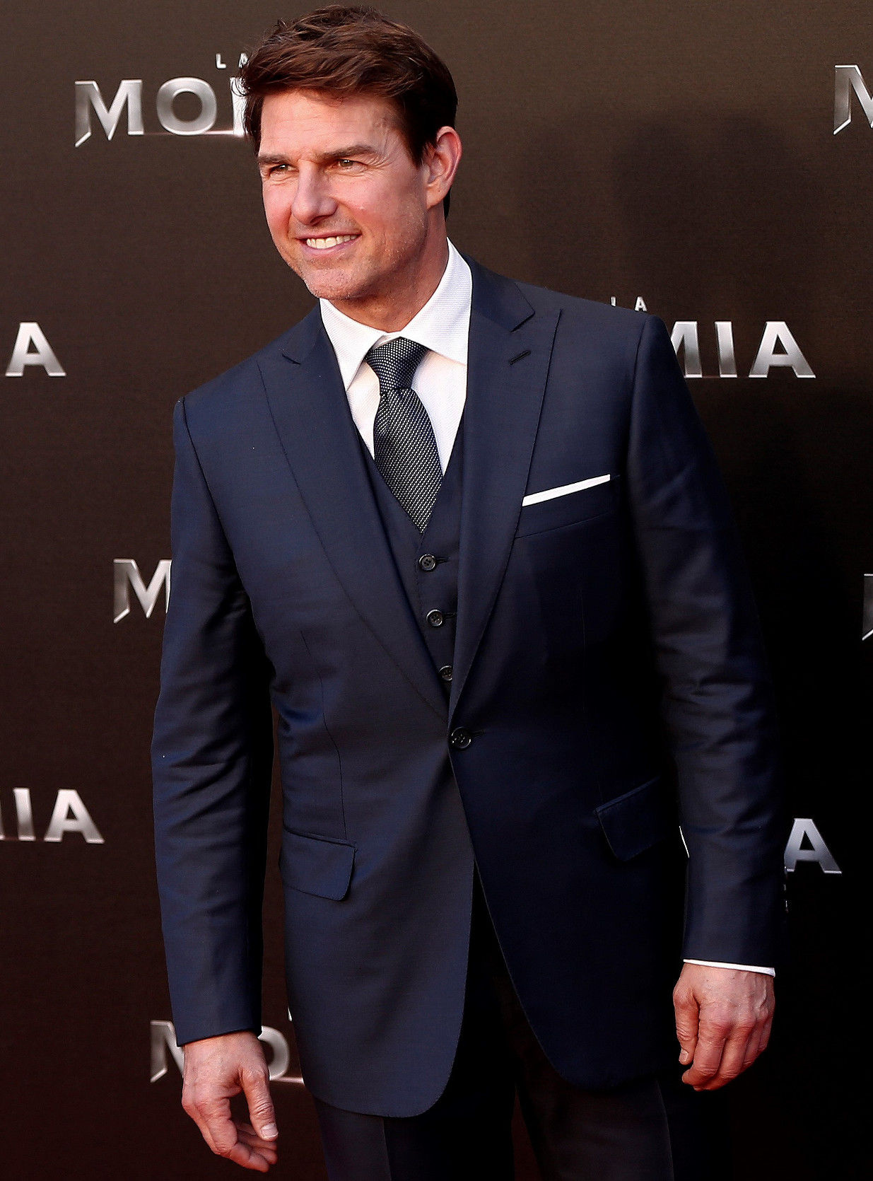 brioni suits tom cruise wearing brioni KMBRFIN