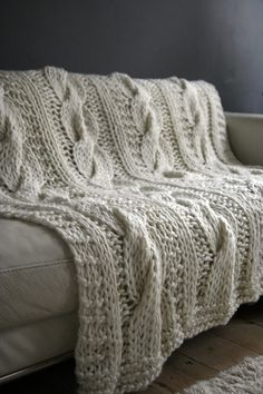 cable knit blanket chunky cableknit throw.. iu0027ll have to make up a pattern though! KHGNELT
