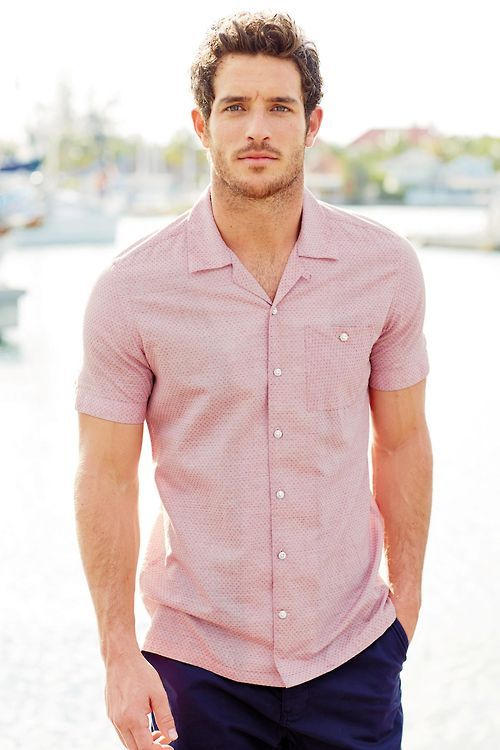 casual pink shirt for men pink/white textured shirt. navy shorts. boat shoes. simple. southern. FHNMSNR