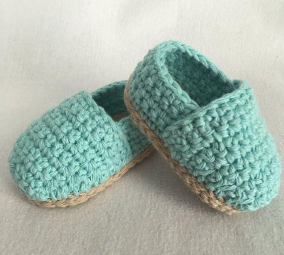 How to choose best crochet baby booties?