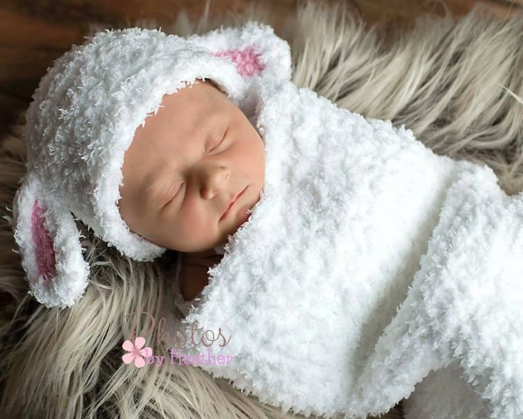 Design a crochet baby cocoon for your cute baby