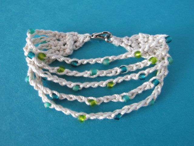 crochet bracelet pattern summer cotton crocheted bracelet by jenn - free crochet pattern -  (windrosefiberstudio.blogspot) YFLKGIV