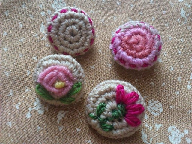 crochet buttons la bande des faineantes: how to crochet button - 10 free tutorials RIEBIML