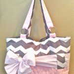 Get stylish diaper bags for girls for maintaining your style statement