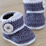 A simple guide to making easy crochet baby booties