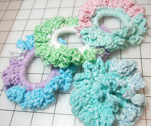 easy ponytail holders - crochet hair accessories, free pattern! VTWUIUV