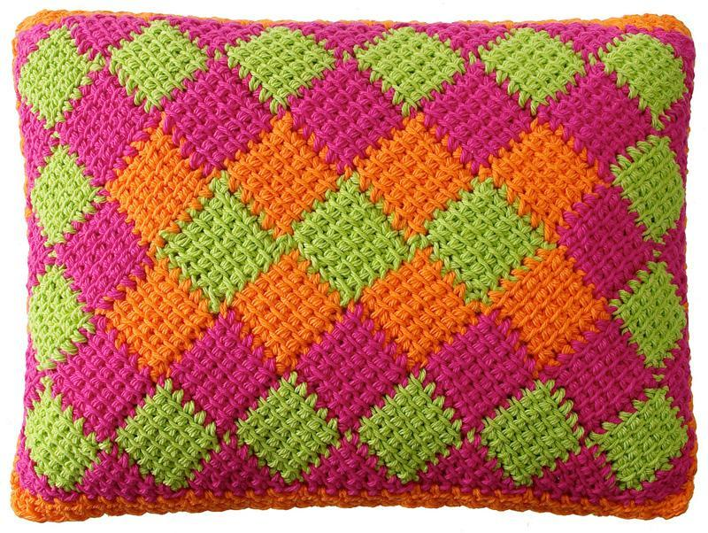 entrelac crochet can be worked in two or more colors. WNJOCNK