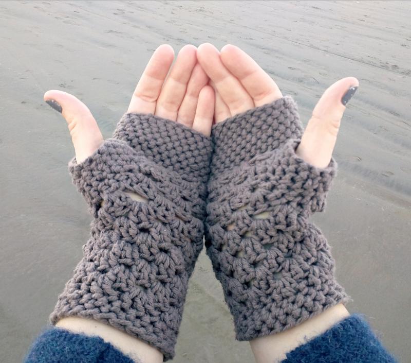 fingerless gloves crochet pattern chunky fingerless gloves (free crochet pattern) SHVAQDJ