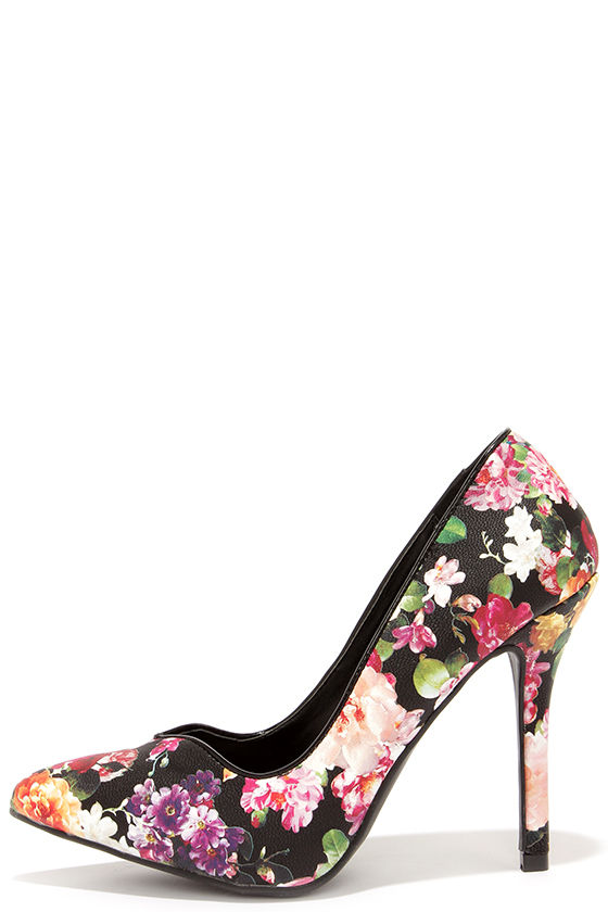 Buying floral pumps
