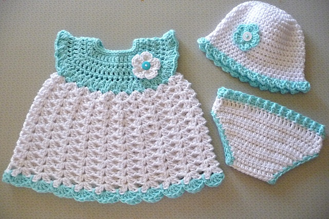 Making the perfect present with free crochet patterns for babies
