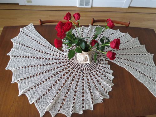 free easy crochet dollies | fractal crochet tablecloth - seamstress erin MTQRZEF