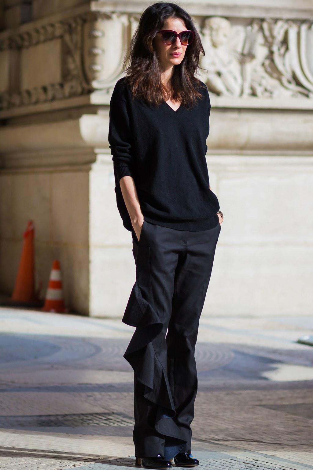 french style french girl essentials leila yavari sweater LTQJZPQ