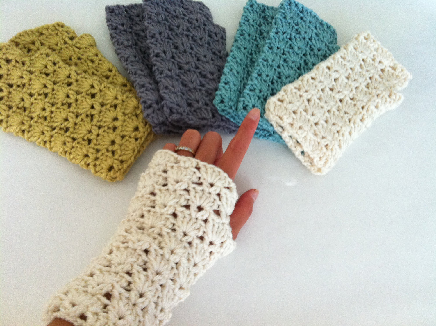 importance of crochet fingerless gloves pattern IEFZADB