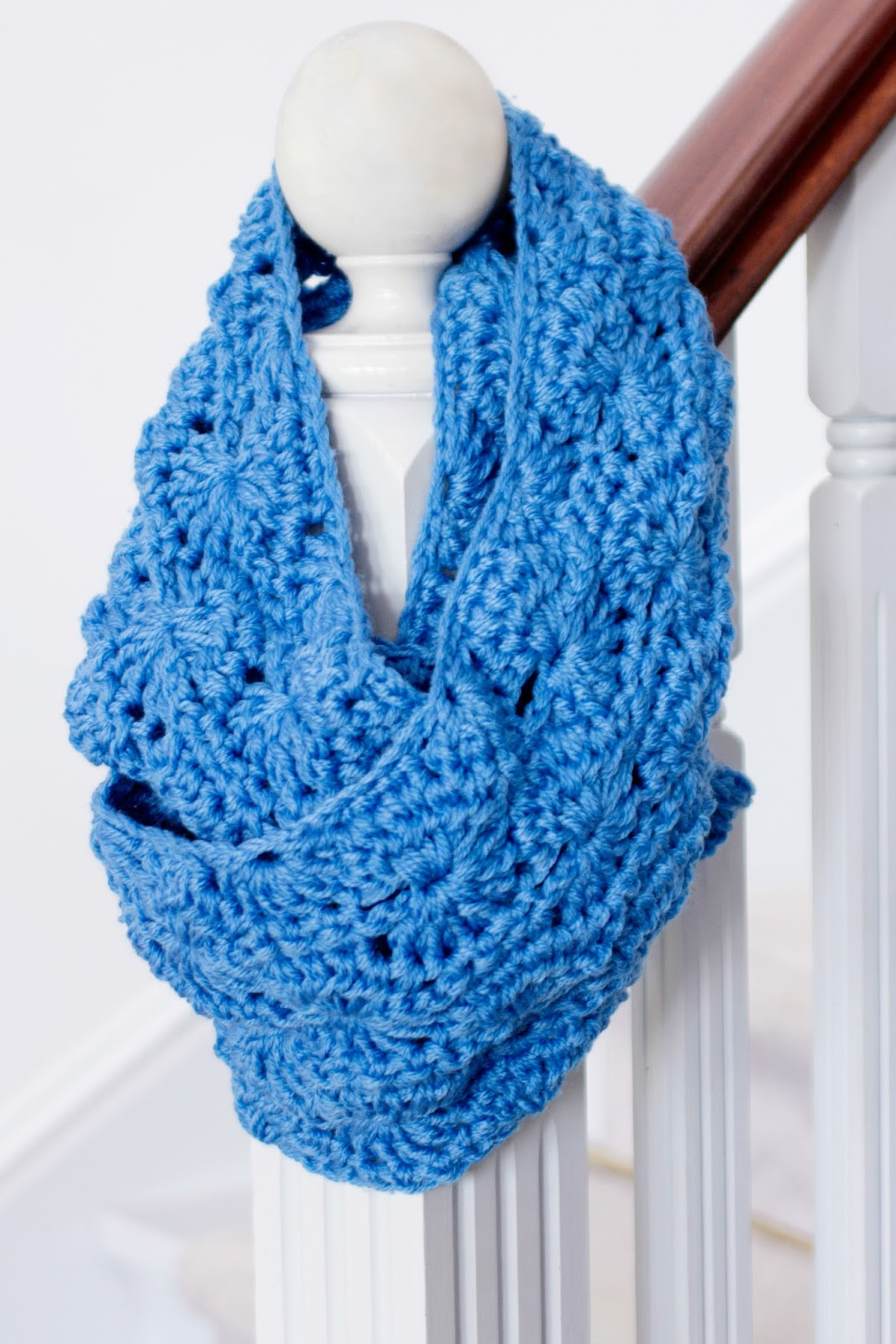 infinity scarf crochet pattern pretty chunky crochet infinity scarf FPJZFYX