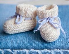 knitted baby booties baby booties ugg free knitting pattern PTGOGDC