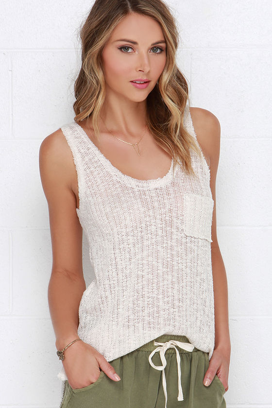Tips on wearing knitted tank top
