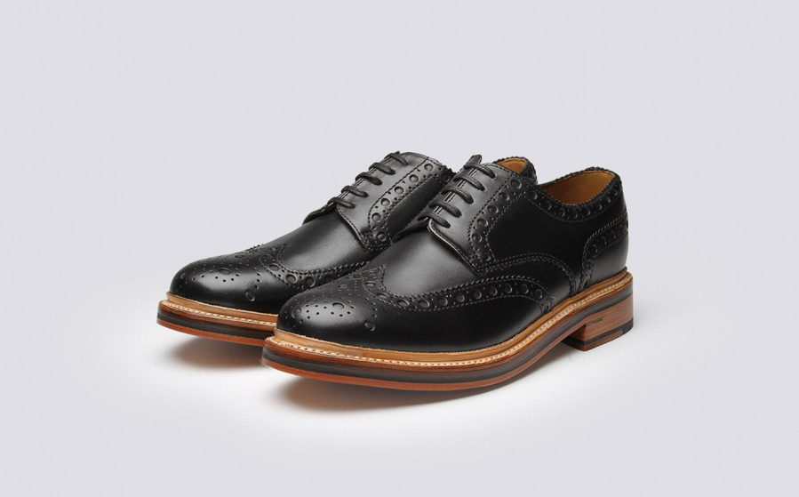 Appear trendy and stylish by wearing the best men's shoes