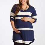 Plus size maternity clothing for comfort