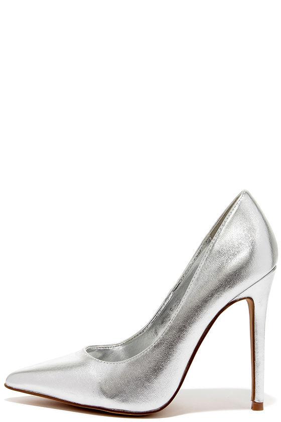 pretty silver pumps - pointed pumps - silver heels - $34.00 MDTGBHI