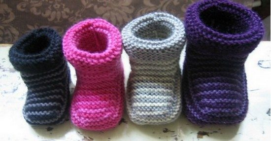 striped knitted baby booties free pattern AYFYMTH