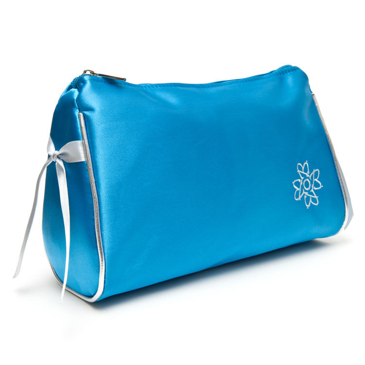 toiletry bag in buxom blue IYMOBXH