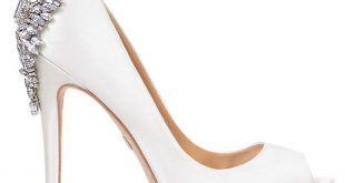 white wedding shoes kiara by badgley mischka in diamond white KAICGMC