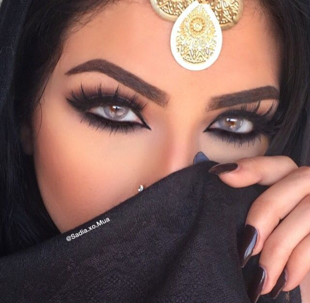 Classic Arabic makeup. Definitely Love my roots.. | Make up