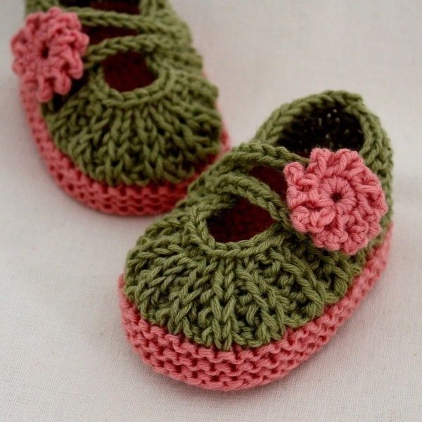 Knitting Pattern (PDF file) - Daisy Baby Booties (0-6/6-12 months