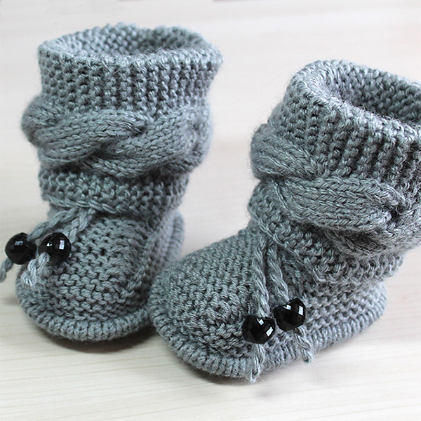Baby booties knitting pattern: keep it   warm for those lovely babies