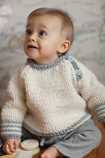 Easy-On Pullovers for Babies and Children Knitting Patterns - In the