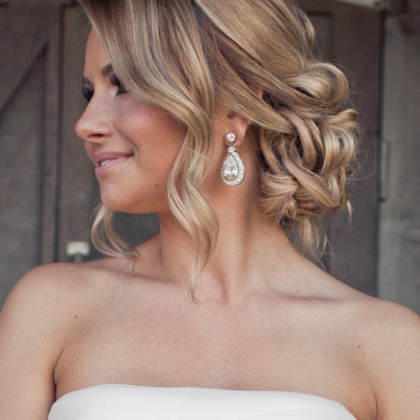 New Twists on Popular Wedding Hairstyles | BridalGuide