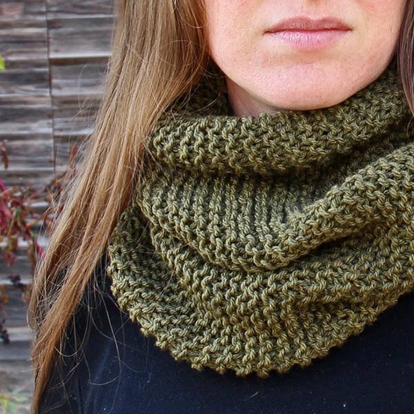 BENEVOLENCE : Women's Cowl Knitting Pattern - Brome Fields