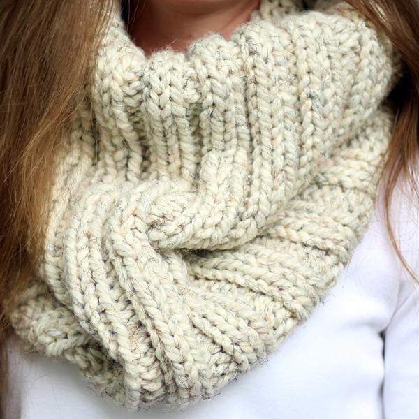 DARING : Women's Cowl Knitting Pattern - Brome Fields