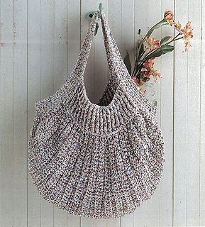 Ravelry: p.91a Crochet Bag pattern by Mutsuko Kishi (岸睦子)