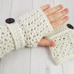 WHY YOU NEED SOME CROCHET GLOVES FOR   WINTER