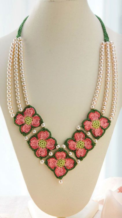 Crochet Dogwood Necklace | crochet | Pinterest | Crochet necklace